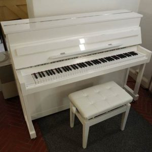 Klavier Modell 110 der Hausmarke Gottfried Gäbler
